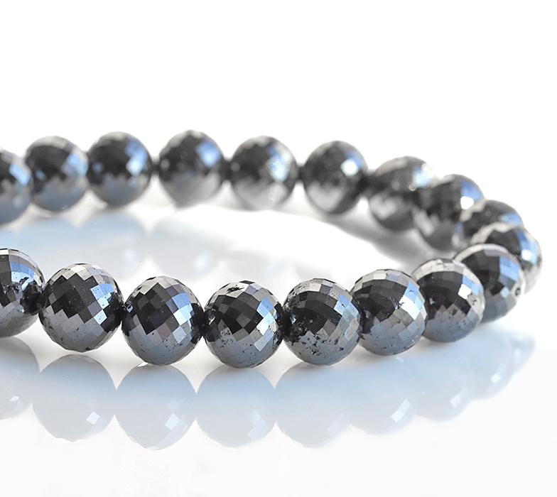 IMG 2640 - 最高品質ブラックダイヤモンドの大玉ブレスレット・ネックレスのご紹介です♪